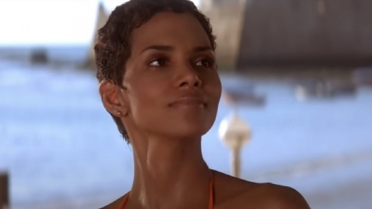 halle berry in die another day