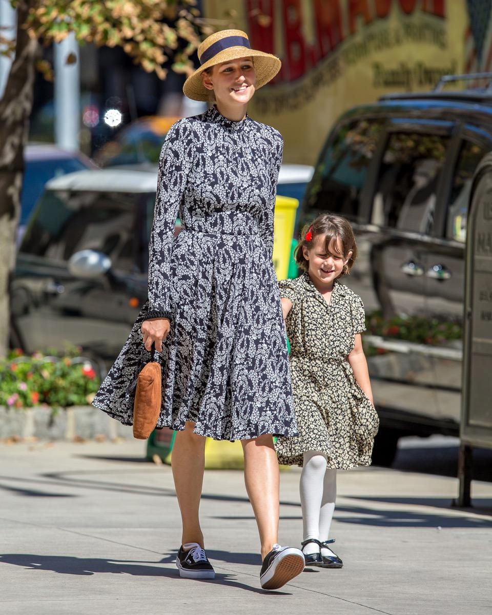 Leelee Sobieski and her daughter