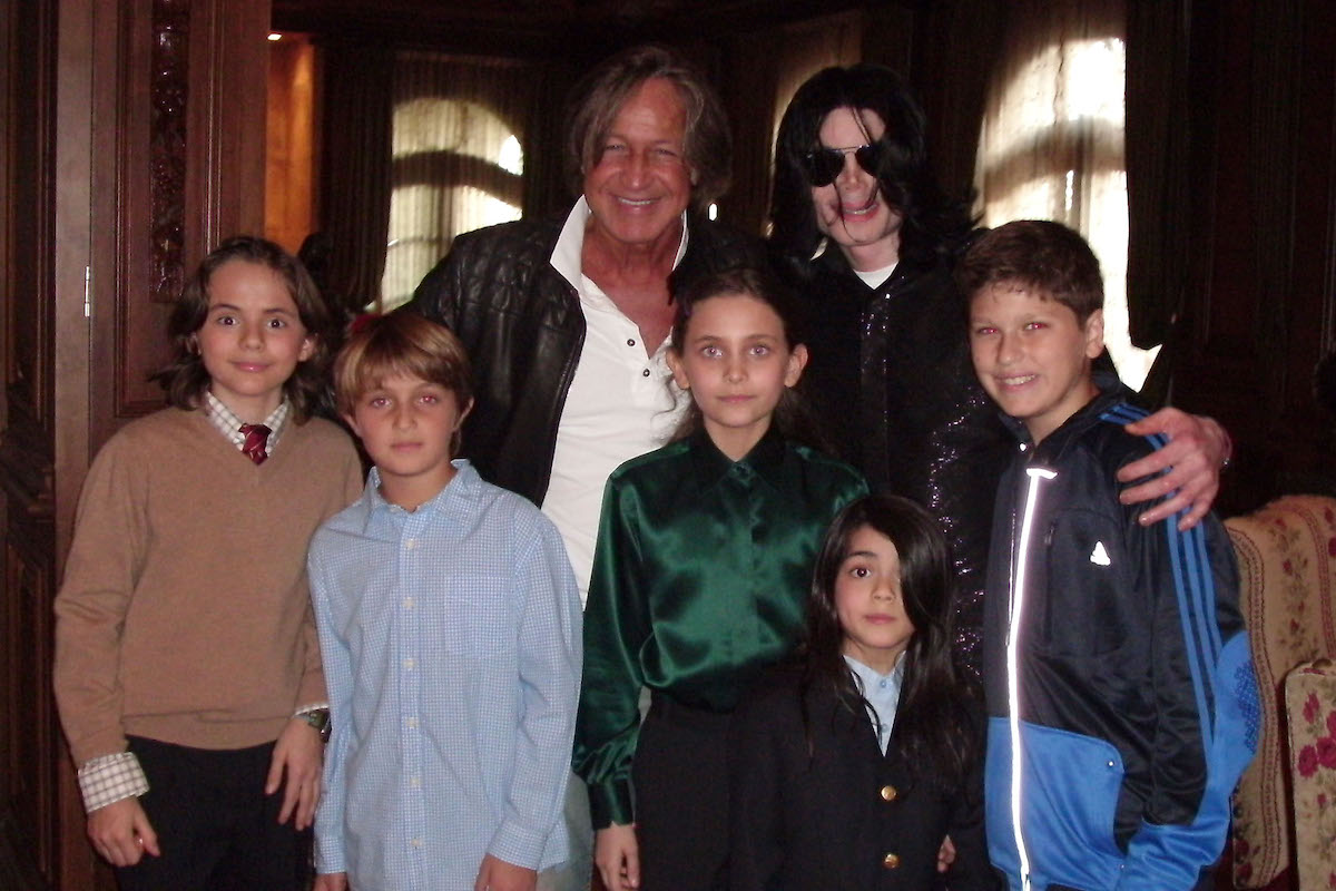In this handout provided by Mohamed Hadid, Singer Michael Jackson (R) poses with real estate developer Mohamed Hadid (L), Hadid's children and Jackson's children Michael Joseph Jr., Paris Michael Katherine and Prince Michael II on November 27, 2008 at the Jackson Holmby Hills residence in Westwood, California.