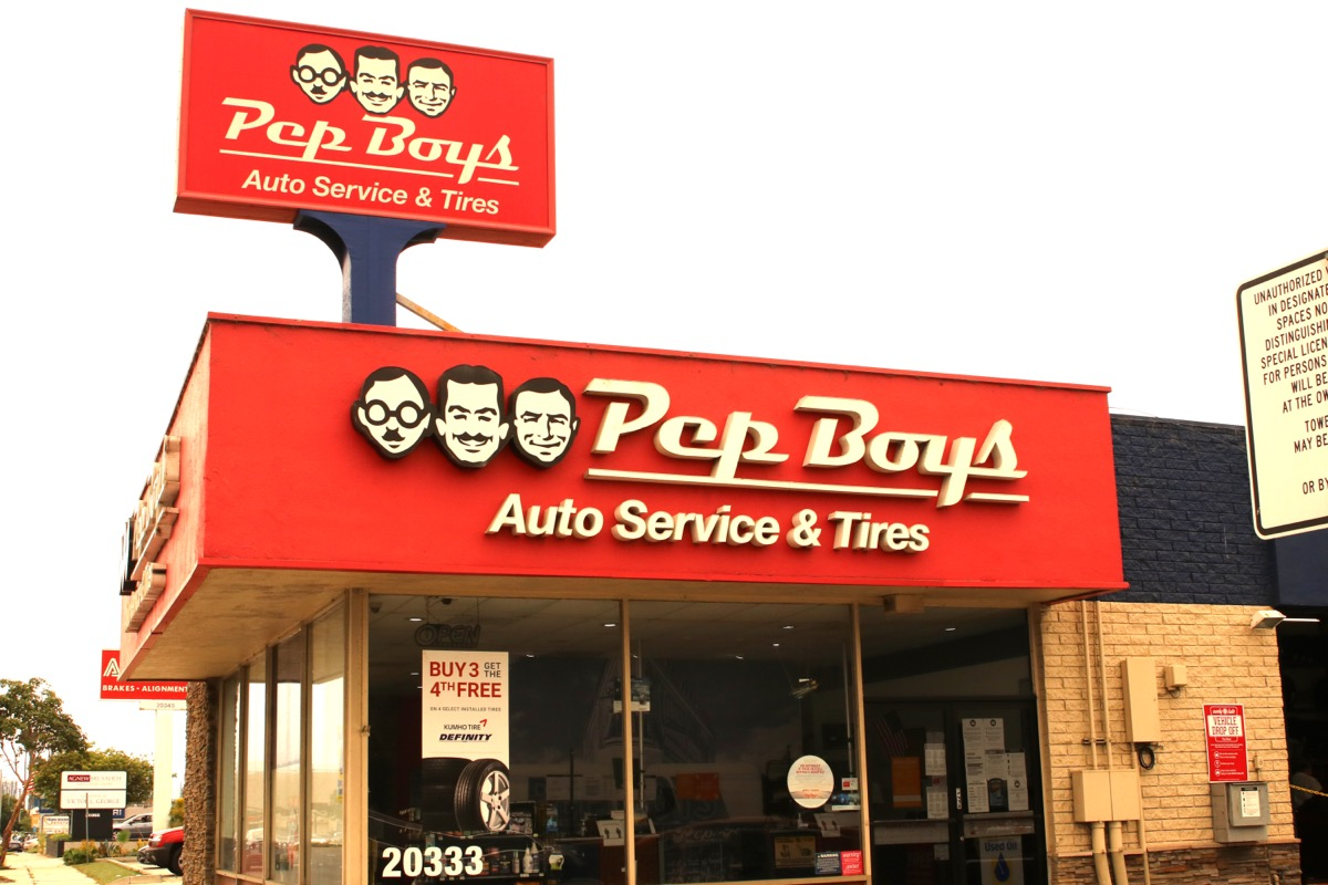 pep boys large outdoor sign