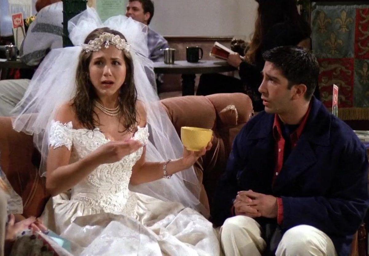 "Jennifer Aniston and David Schwimmer on ""Friends"" season 1"