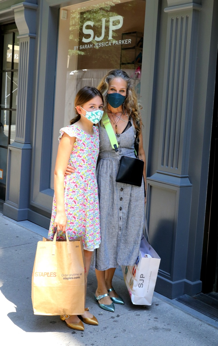 NEW YORK, NY - JUNE 06: Tabitha Broderick and Sarah Jessica Parker are seen on June 06, 2021 in New York City. (Photo by Jose Perez/Bauer-Griffin/GC Images)