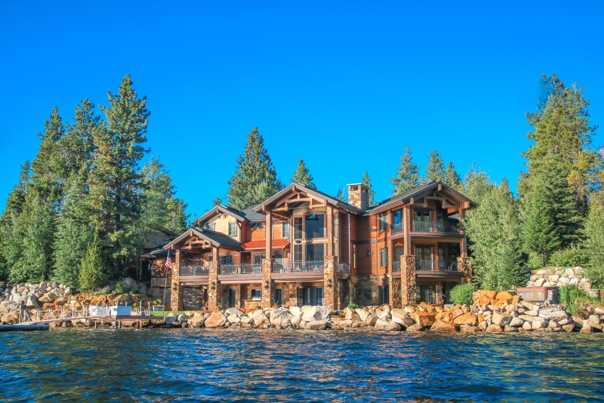 Idaho house on a lake
