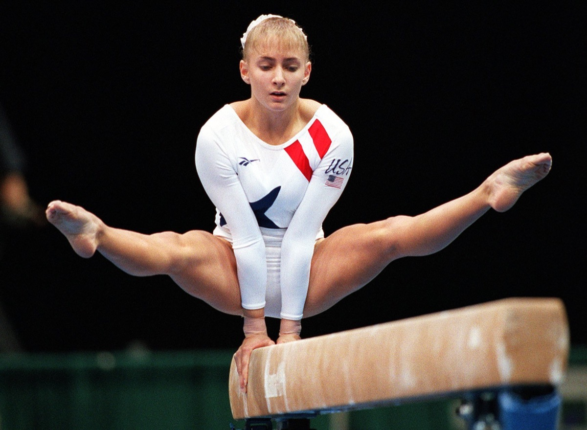 Shannon Miller on the beam in the 1996 Olympics