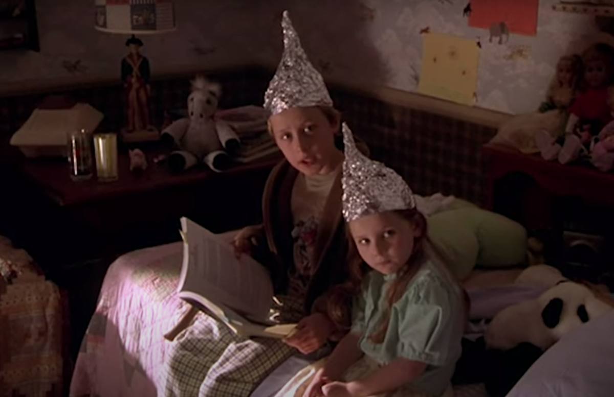 """Rory Culkin and Abigail Breslin in """"Signs"""""""