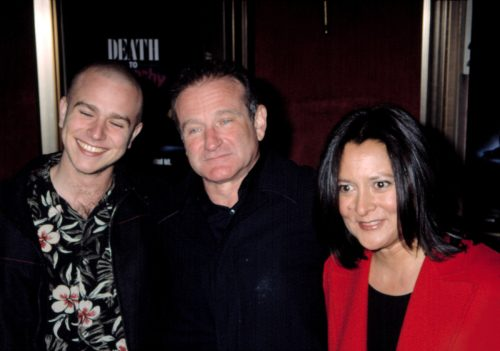 """Zak Williams, Robin Williams, and Marsha Garces Williams at the premiere of """"Death to Smoochy"""" in 2002"""
