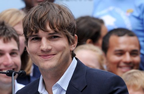 Ashton Kutcher at the press conference for Entertainment Industry Foundation I PARTICIPATE Kick Off in 2009