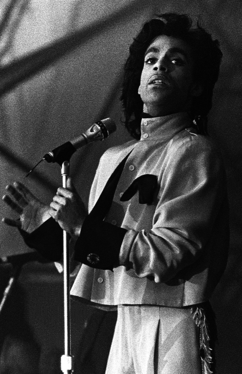 Prince performing in 1987
