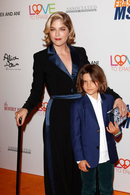 Selma Blair and her son, Arthur, at the Race to Erase MS Gala in 2019