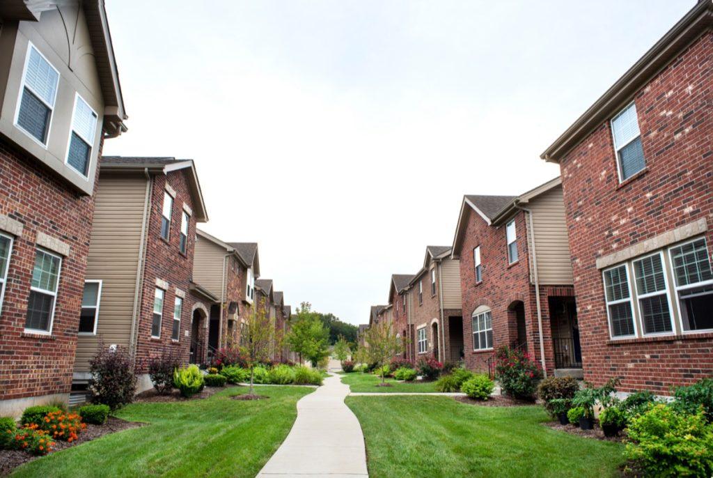 a row of suburban houses in Missouri