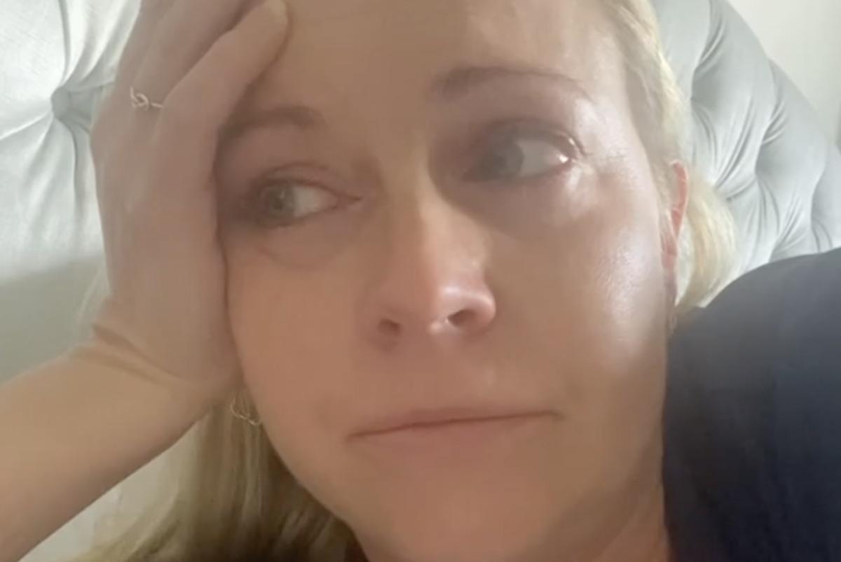 Melissa Joan Hart discusses breakthrough COVID case on Instagram