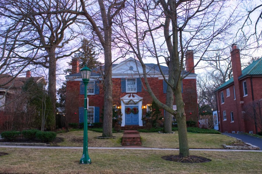 a colonial house in Winnetka, Illinois