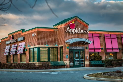The exterior of an Applebee's restaurant