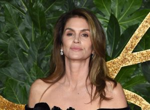 Cindy Crawford at The Fashion Awards 2018 in London