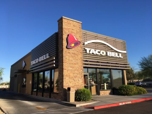 the exterior of a Taco Bell