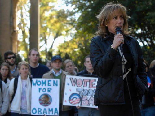 Valerie Owens speaking at a campaign event for Barack Obama in October 2008