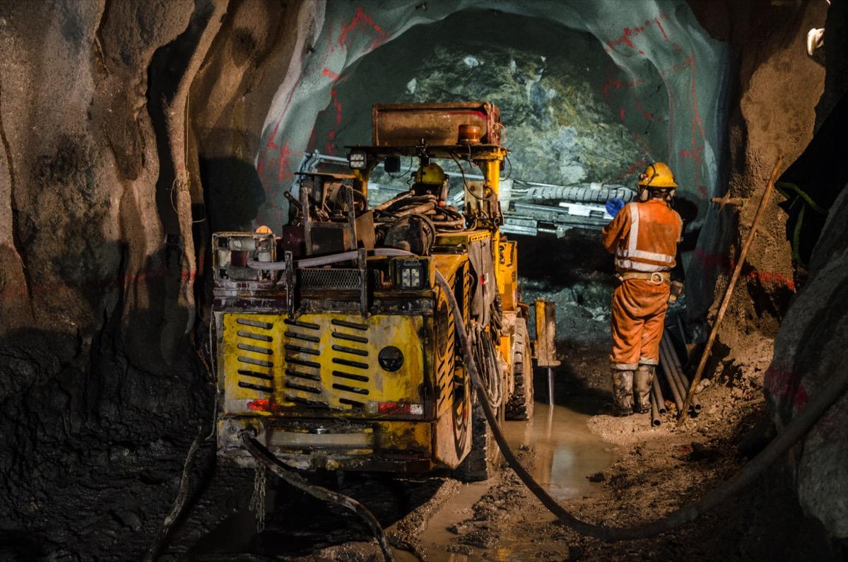 mining machine operators in mine