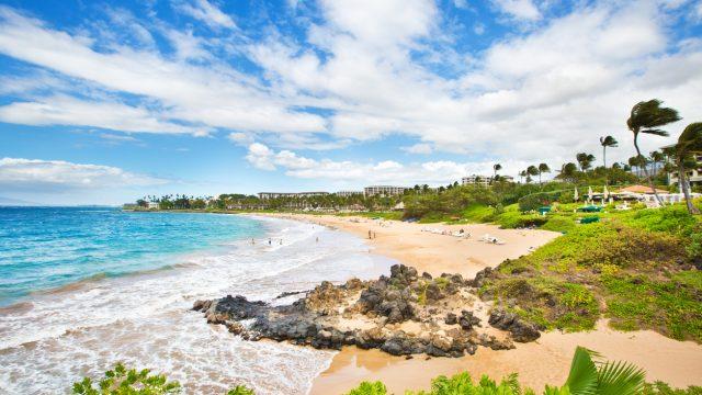 A wide shot of Wailea Beach in Maui, Hawaii