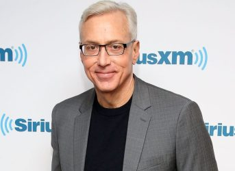 NEW YORK, NY - NOVEMBER 04: Dr. Drew Pinksy visits at SiriusXM Studio on November 4, 2016 in New York City. (Photo by Robin Marchant/Getty Images)