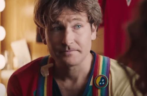 Jamie Costin in Robin Williams Print YouTube Video