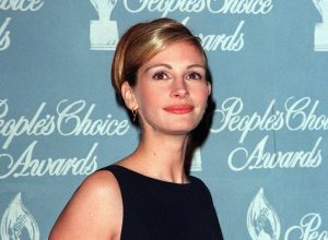 Julia Roberts at the 1998 People's Choice Awards