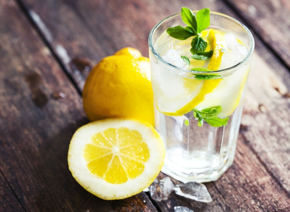 adding lemon to your water is one of the best health upgrades
