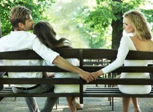 signs he could be cheating - couple breaking up
