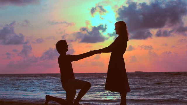 proposal tips shadow of man down on one knee proposal to woman at sunset, craziest things brides and grooms have ever done
