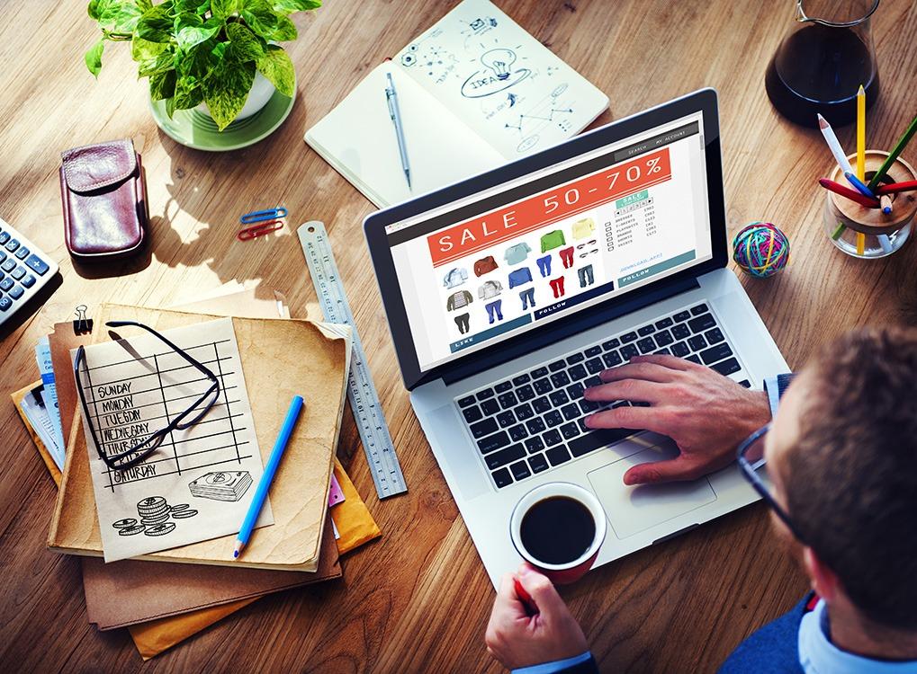 Man Online Shopping {Online Shopping Tips}