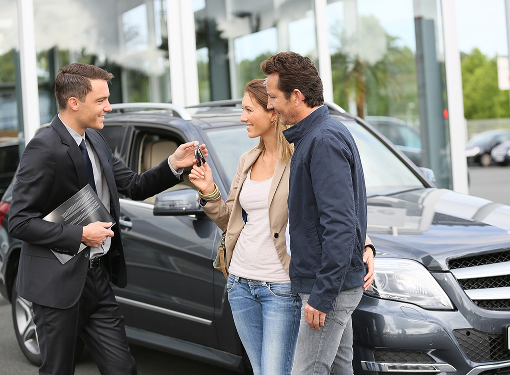 Couple Buying New Car Financial