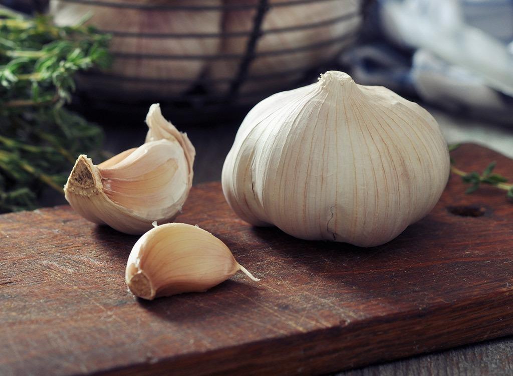 reduce stress by eating garlic