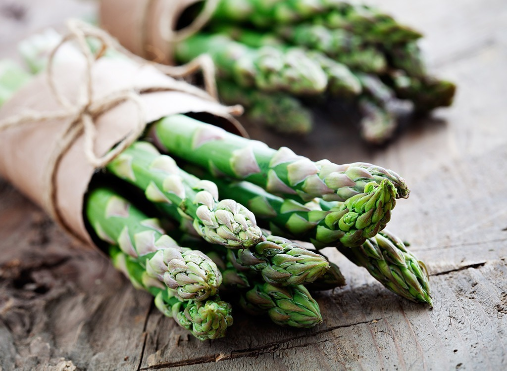 Asparagus, Best Foods for Maximizing Your Energy Levels