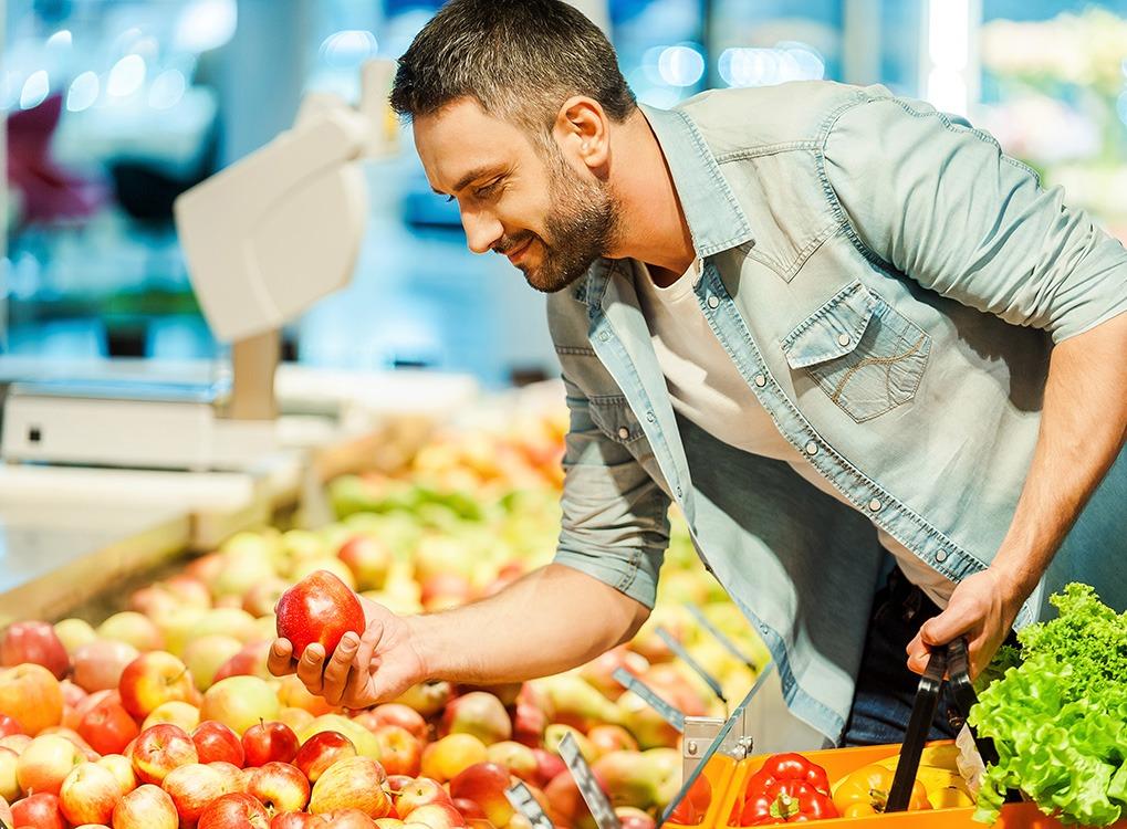 man discounts grocery shopping
