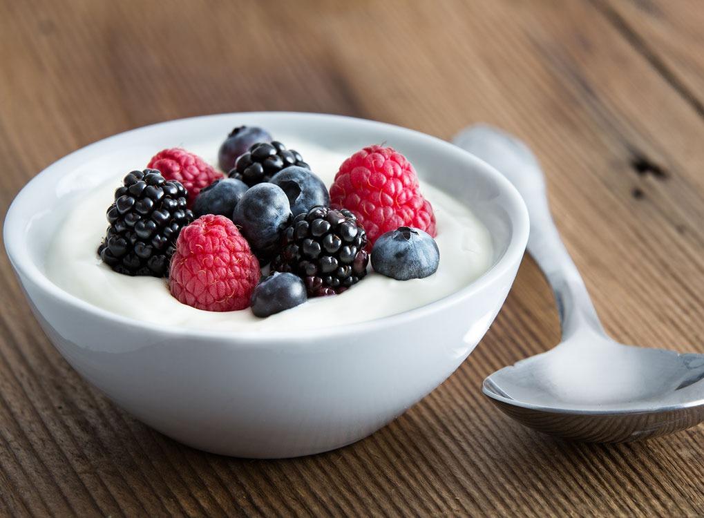 Yogurt, brain foods, controlling cravings