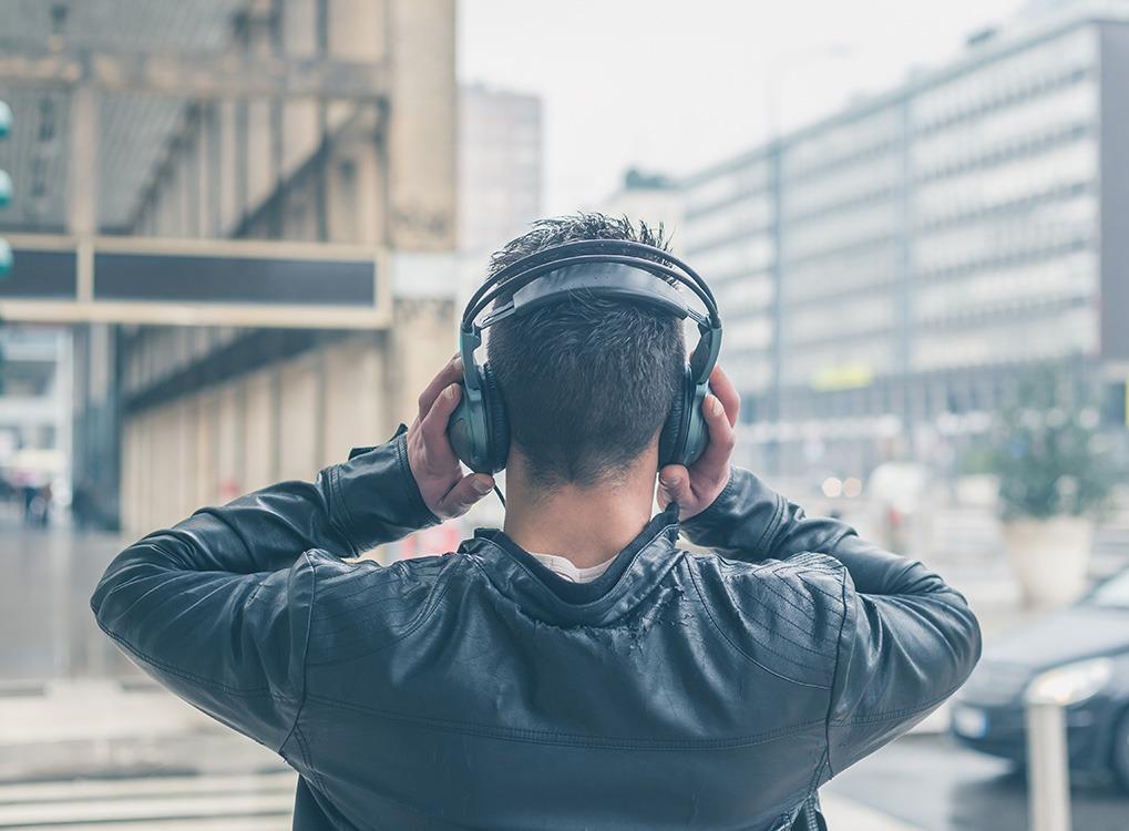 headphones, stress relief, controlling cravings
